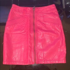 H&M magenta imitation leather skirt with zipper